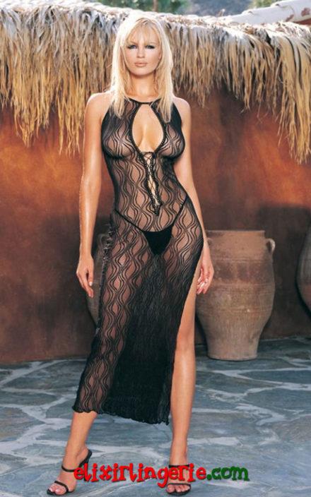 Дезениран фустан со длабоко деколте