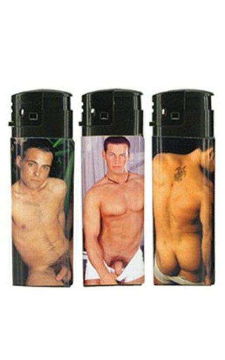 Секси запалка со гол маж